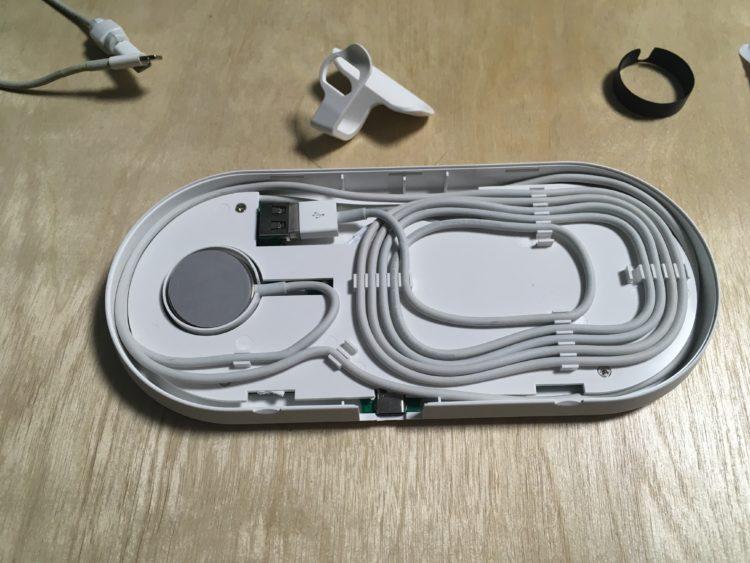plux에 애플워치 충전케이블을 설치한모습